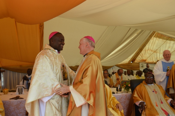 Bishop Emeritus Dieter Scholz congratulates Bishop Mupandasekwa..JPG