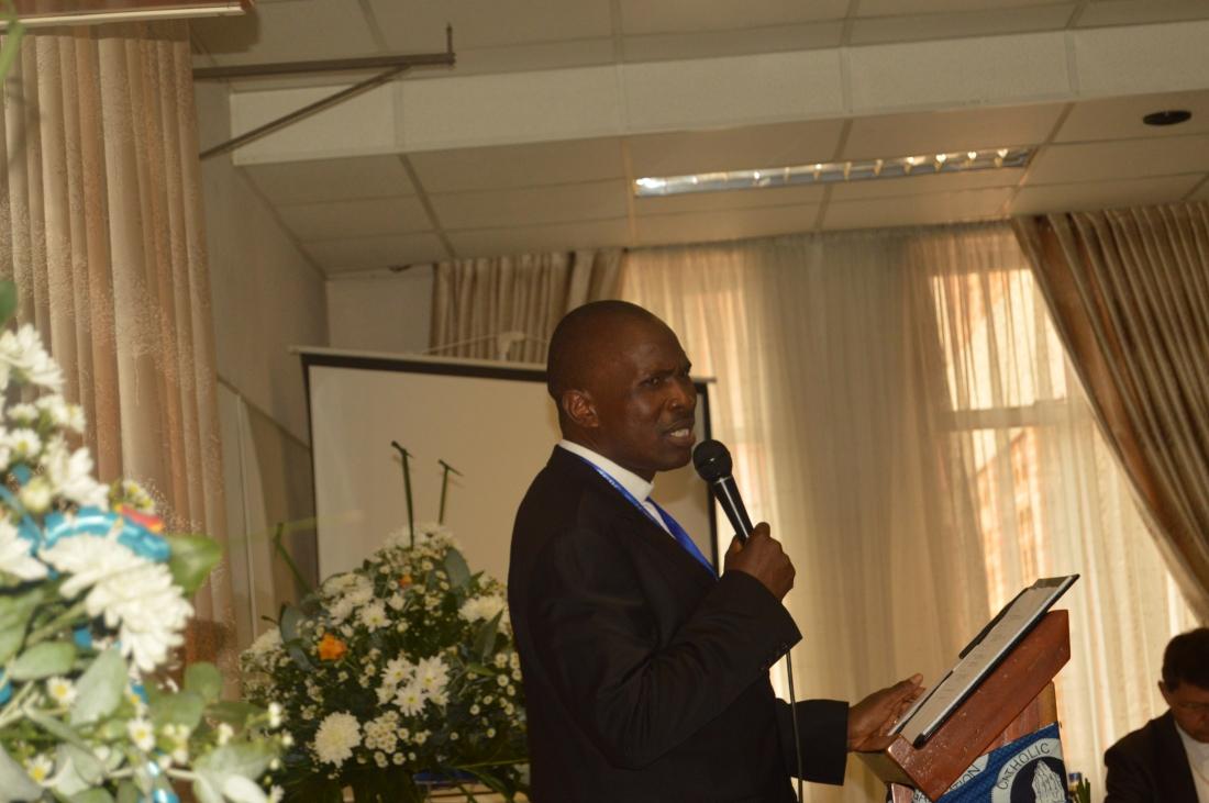 Fr. Kennedy Muguti making his presentaion during the ZCBC Plenary Meeting..JPG