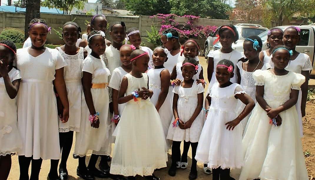 dancers-at-bishop-muchabaiwas-jubilee-celebrations.jpg
