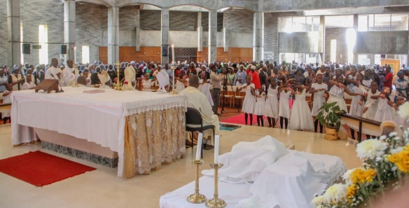the-holy-trinity-cathedral-was-fully-packed-to-capacity-as-catholics-from-around-zimbabwe-joined-bishop-muchabaiwa-as-he-celebrated-his-priestly-golden-jubilee.jpg