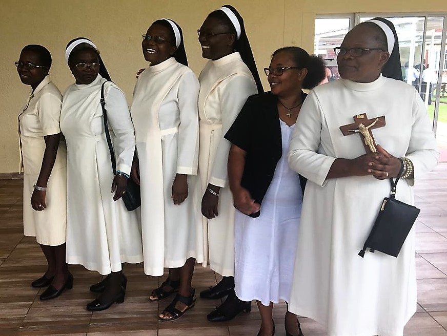 Dominican jubilarians with their prioress Sr. Rudo Matsika, second from left on 8 December 2018.