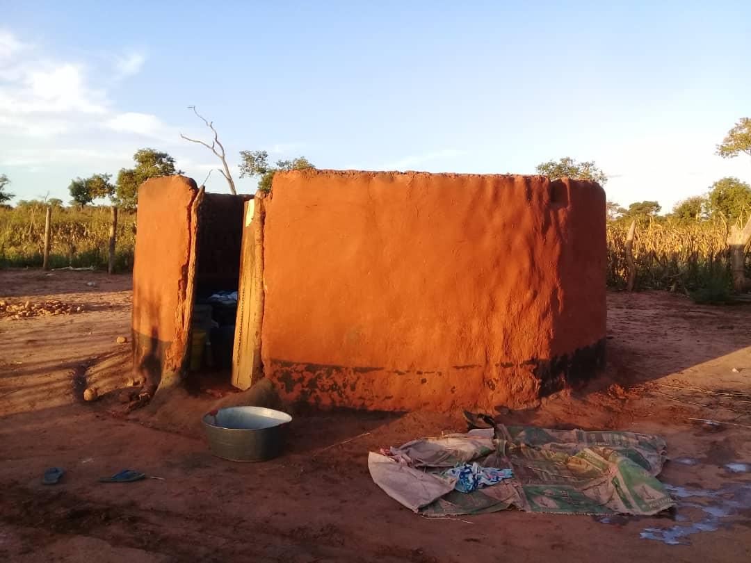 House thatt were destroyed in Gokwe when settlers in Chamagofarms.