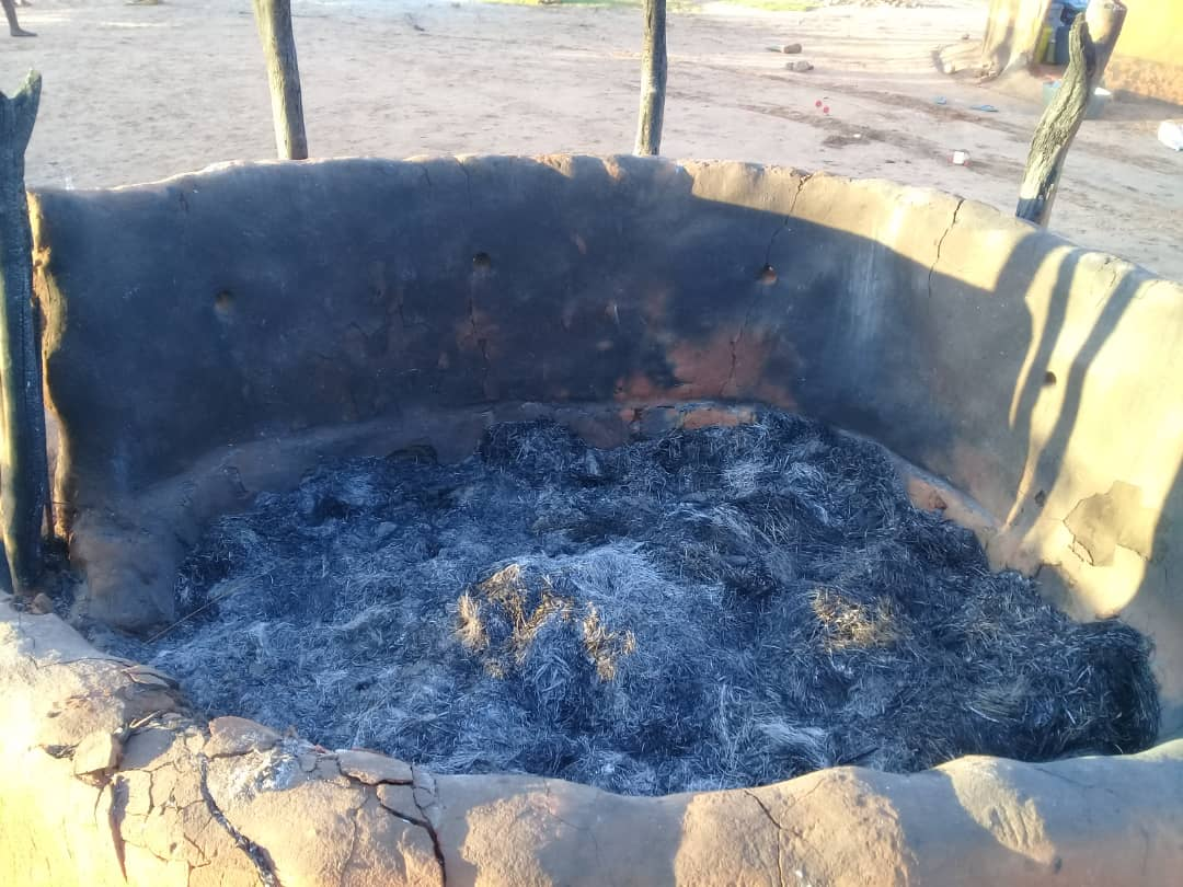 Some houses were burnt to ashes as the settlers were forced out of the farms.